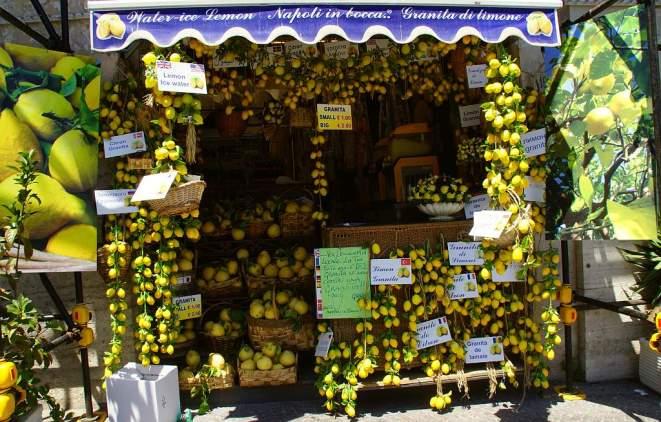 0109 45 in Napoli mit Zitronen gehandelt - Intercampianer-Foto © Wolfgang Pehlemann DSC04338