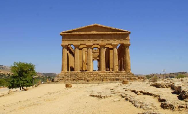 0125 62 Portikus Concordia-Tempel im Tal der Tempel auf Hügel bei Agrigent auf Insel Sizilien - Intercampianer-Foto © Wolfgang Pehlemann DSC07487